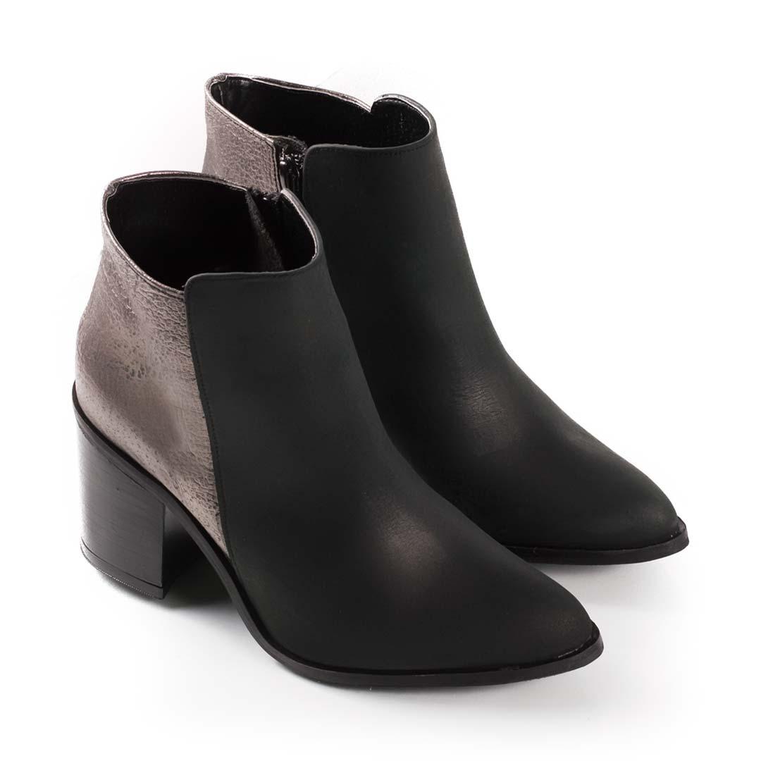 BOTAS MUJER Encuentra las últimas tendencias en botas de mujer en Deichmann. Las mujeres que buscan los últimos modelos de botas encontrarán una variedad de modelos para todo tipo de ocasiones en Deichmann - siempre a los mejores precios.