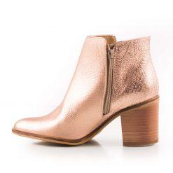 Botas cobre de cuero