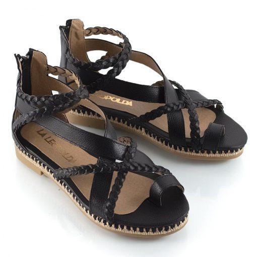 sandalias de mujer tipo romanas de cuero negro graneado y diseño original