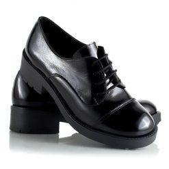zapatos-de-cuero-abotinado-de-mujers