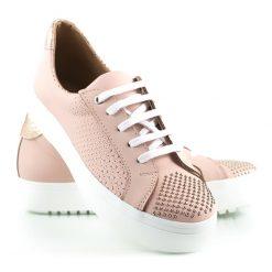 zapatillas de vestir para mujer en cuero grabado rosa con tachitas y diseño original