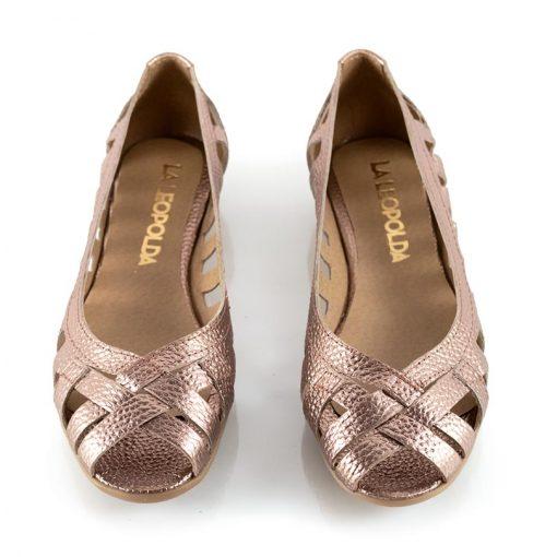 zapatos-de-cuero-metalizado-chatitas-caladas
