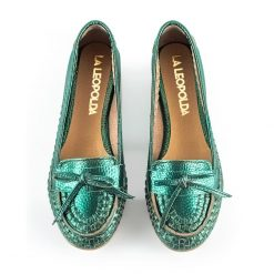 zapatos mocasines bajitos para mujer de cuero tramado verde metalizado con diseño a la moda