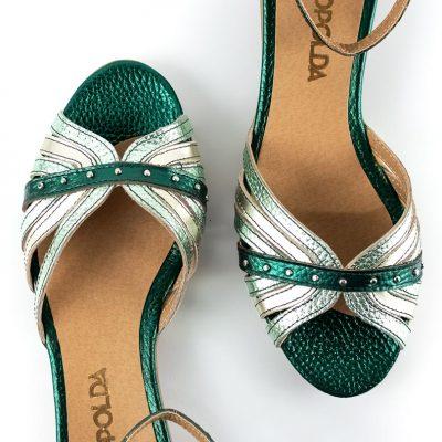 sandalias de mujer en cuero verde metalizado y platino con elegante diseño original