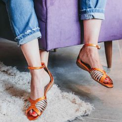 sandalias bajitas de cuero metalizado naranja