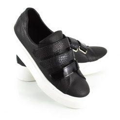 zapatillas para mujer en cuero negro con abrojos en mix de cuero con diferentes texturas y diseño original