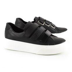 zapatillas urbanas de mujer en cuero negro con abrojos en mix de cuero con texturas y suela antideslizante