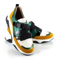 zapatillas de mujer con elasticos a la moda en mix de cueros verde metalizado y mostaza gamuzado