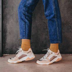 Zapatillas urbanas de mujer en mix de cueros beige y metalizados