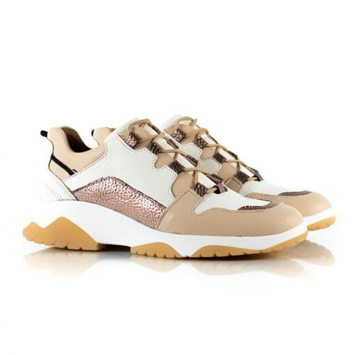 zapatillas de mujer a la moda en mix de cueros beige, blanco y cobre metalizado