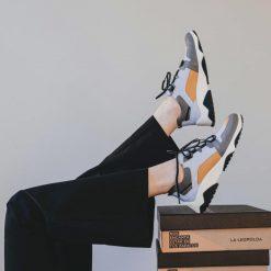 zapatillas-urbanas-de-mujer-color-celeste-y-mostaza
