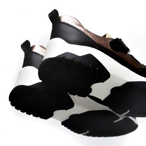 zapatillas urbanas de mujer color cobre con elásticos