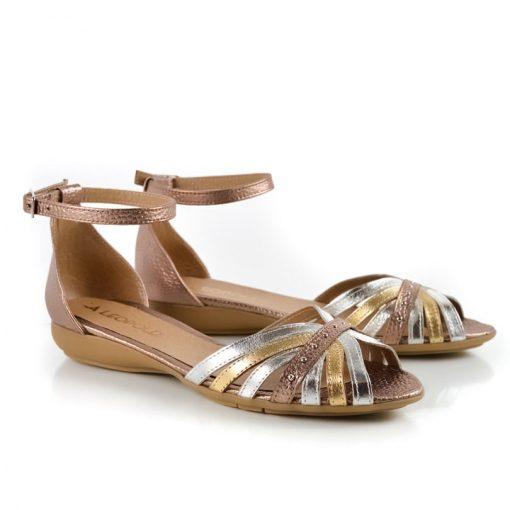 sandalias a la moda y diseño original de cuero metalizado beige, cobre y platino