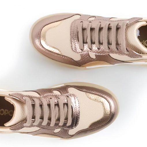 zapatillas urbanas de mujer de cuero color beige y cobre metalizado con diseño original