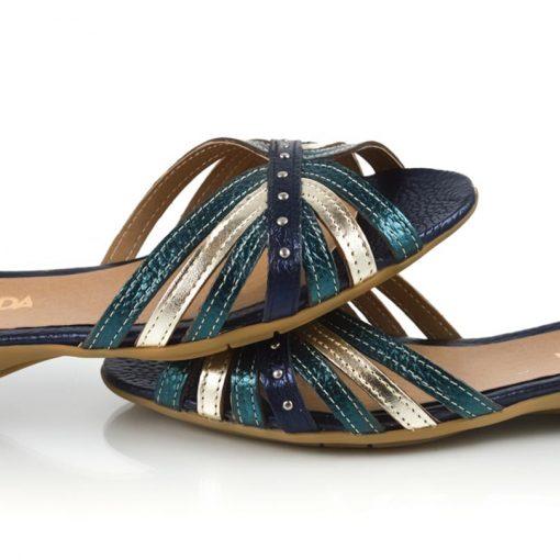sandalias bajitas con diseño original en cuero metalizado