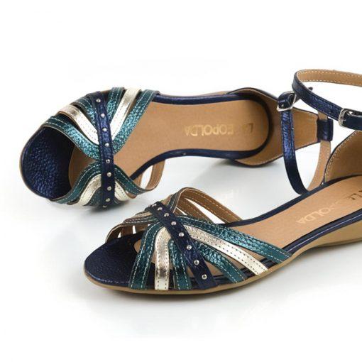 elegantes sandalias chatitas de mujer con diseño original en cuero metalizado