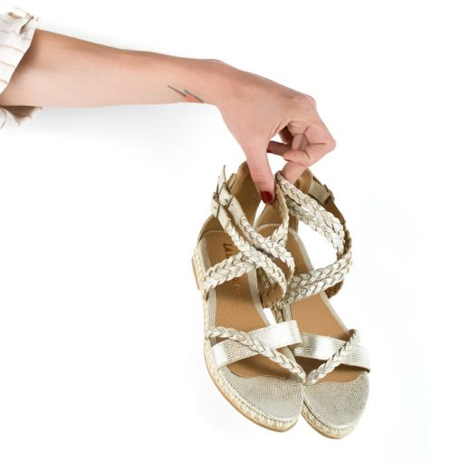 sandalias de mujer en cuero metalizado plateado